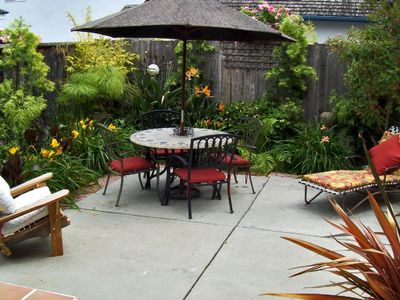 Tropical Outdoor Patio with gas grill
