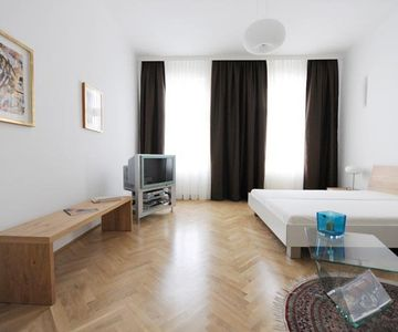Apartment Danielis - Spacious BR perfect for couples