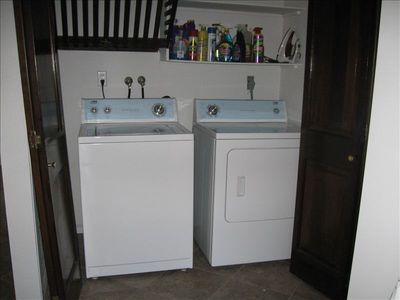 washer / dryer off of kitchen