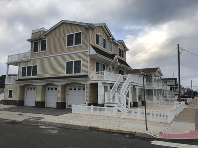 Oceanside! 360 degree SPECTACULAR WATER VIEWS, Park Your Car Walk Everywhere -