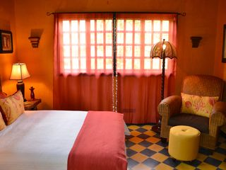 Tamarindo house photo - The Coral room with sitting area