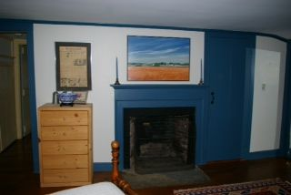 Newport house photo - Fireplace in the upstairs double bedroom.