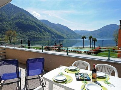 Apartment for 4 people, with pool, close to the beach in Porlezza