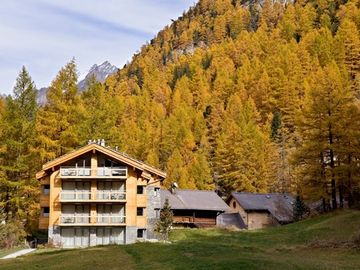 Chalet Altesse by day in autumn