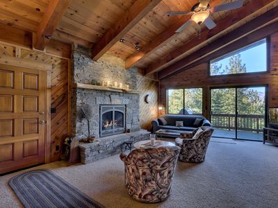 Deluxe Tahoe Chalet in Quiet Neighborhood with Private Hot Tub and Downstairs Secondary Suite (MY67)