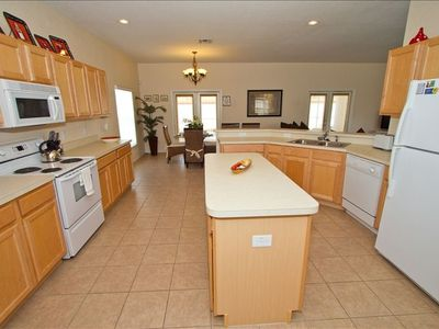 Large Fully Equipped Kitchen with All Mod Cons