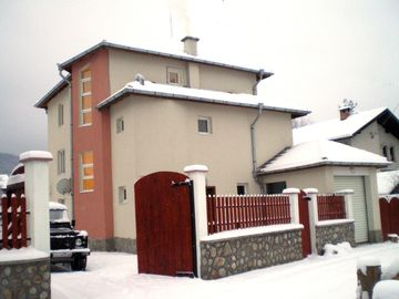 Borovets villa rental - RilaView winter front