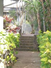 Haleiwa cottage photo - Tropical path to Cottage from beach