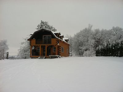 Heritage Hideaway- Secluded Log Cabin