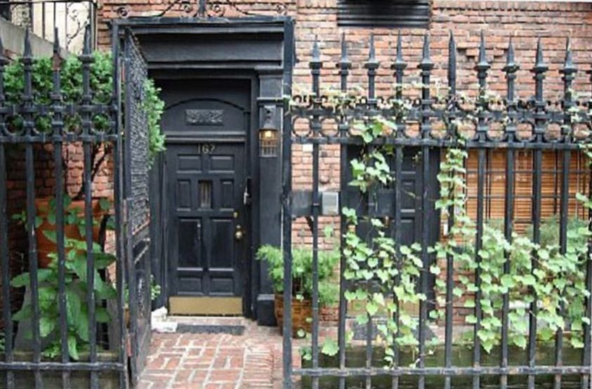 Pied a terre in 1920 39 s townhouse vrbo for Pied a terre manhattan