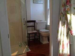 Portsmouth house photo - All bathrooms are tiled and have been recently installed