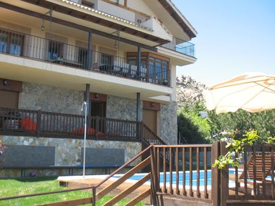 Detached villa with private pool and jacuzzi near a reservoir at 45 min. Madrid