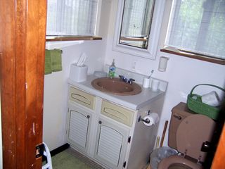 Madaket townhome photo - lower level full bath. Tub/Shower not in view