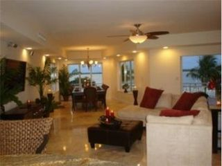 Key Largo house photo - One of several elegant living areas