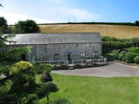 Luxury barn overlooking duck pond and close to south Devons beaches