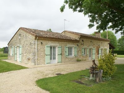 Rural house in Bergerac (8 km) with great views and great playground