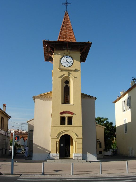 Church of San Pierre. The Village symbol