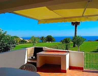 Facing the sea, 1rst row villa, exceptional seaview, pools, fine sand beach