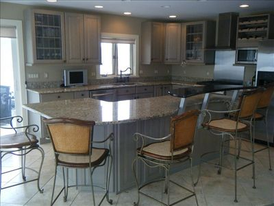 Main Level Stainless/Granite Kitchen