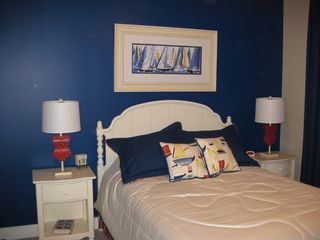 Gateway Grand Ocean City condo photo - Second bedroom with queen size bed.