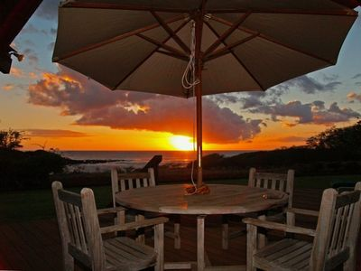 Enjoy unforgettable sunsets over the ocean every night w/ the lights of Waikiki