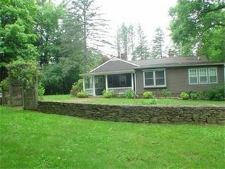 Sharon house photo - The stone wall is right in front of a gorgeous rose garden