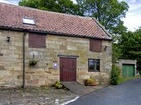 STABLE COTTAGE, character holiday cottage in Danby, Ref 4230