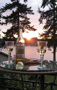 A nice spot for a glass of wine, some cheeses, and a glorious sunset!