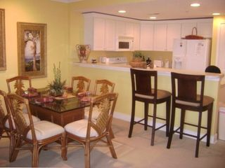 Sunset Bay II Ocean City condo rental - Dining Area and Kitchen.