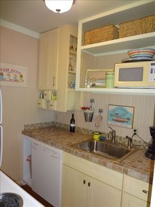 Carolina Beach Bungalow Kitchen