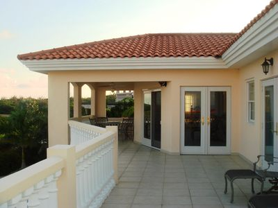 Aruba villa rental - Upper Deck Area