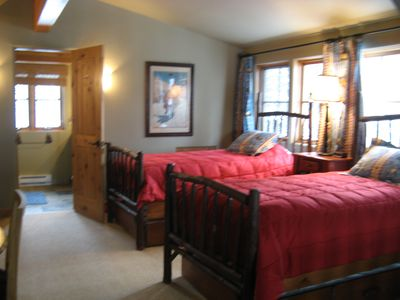 Loft/Bedroom 4 w/ 2 Twin Beds, 2 Twin Trundle Beds, TV/DVD and Private Bath