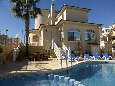 Superb 6 Bedroom 5 Bathroom Detached Villa with Private Swimming Pool