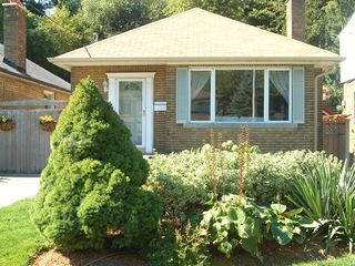 Toronto bungalow photo