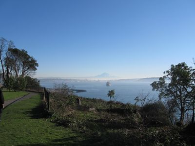 Stroll along Magnolia Boulevard, views of Mt. Rainier and the Seattle skyline