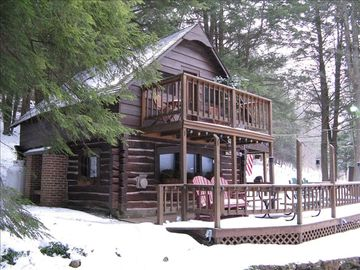 Cozy Cabin to come home to after a day of Skiing or Snow Tubing at Ski Denton