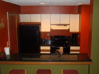 West Dover condo photo - Renovated Kitchen w/ Granite Counters & GE Appliances