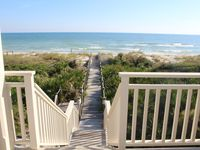 New Lisitng! Beachfront 4 Bedrooms Private Pool