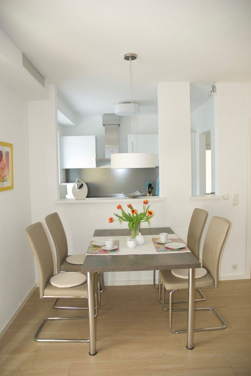 Elegant 2-room flat in the region Taunus, close to Rhine, Frankfurt, Mainz, Wi.
