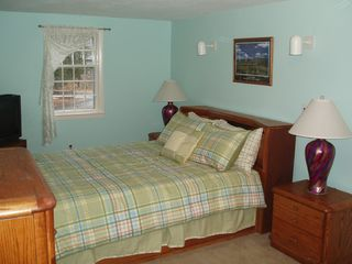 North Conway house photo - 1st Bedroom with Queen sized bed