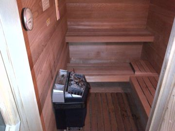 Dry and Steam Sweedish Sauna