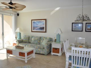 Belmont Towers Ocean City condo photo - Living room
