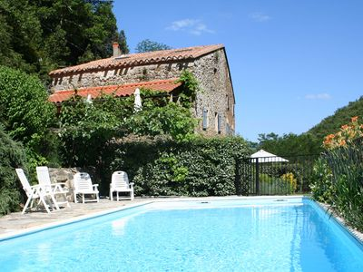 Tranquil rural retreat in own valley with pool, only 1hr to beaches - La Bergerie