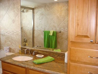 guest bathroom, tub has jacuzzi jets