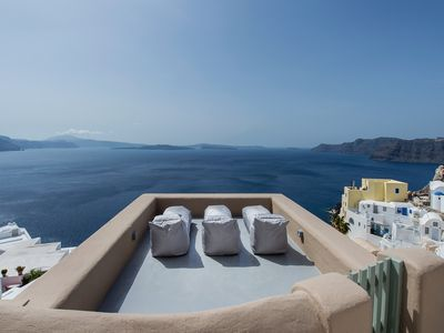 Brandnew! Recently renovated from scratch with original greek island style!
