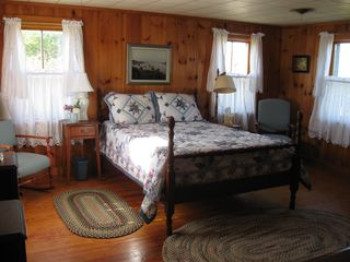Corea cottage photo - Large Guest Bedroom