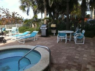 Indian Rocks Beach condo photo - Spa and grill