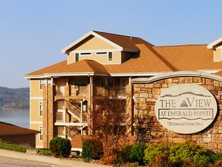 Branson condo photo - The building is right on the shore!