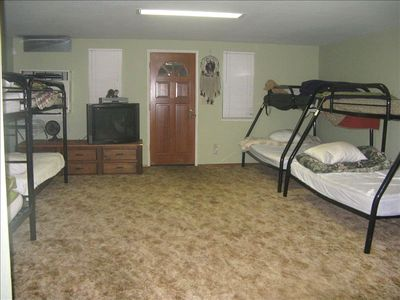 Detached Dormitory (sleeps 12), Large Space for kids, TV, Separate Bathroom