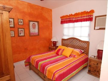 Bedroom w/Queen Size Bed and Private Bath